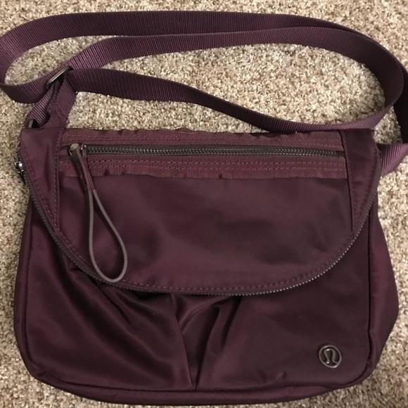 fbc1ee40b0 lululemon athletica Handbags - Lululemon festival bag II black cherry